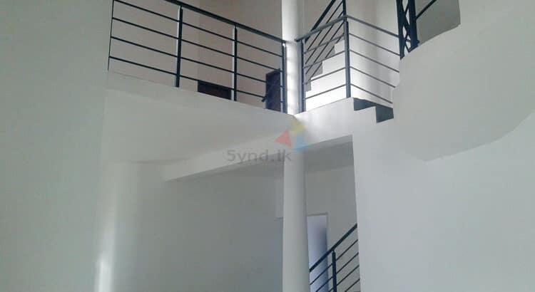 Ganemulla House 06 750x410 1